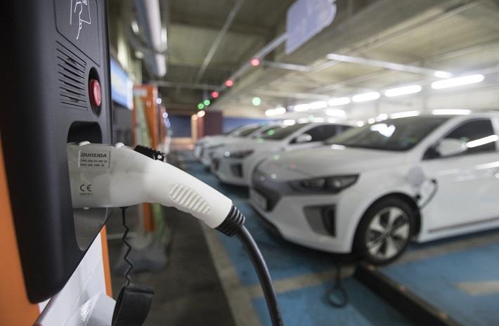제대로 상승세 탄 전기차 시장, 올해 더 뜨겁다
