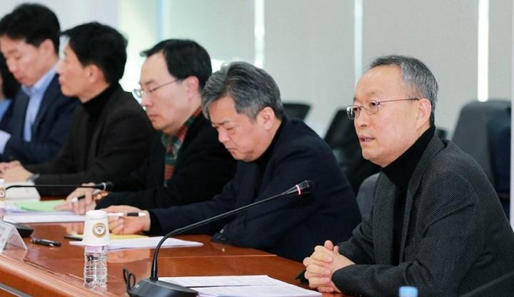 美·中 무역 공방전에 '넛 크래커' 신세 된 한국