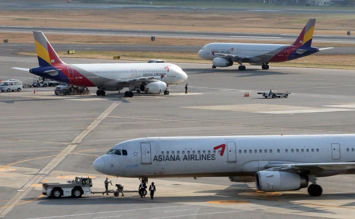 '악재 늪'에서 헤매는 아시아나항공