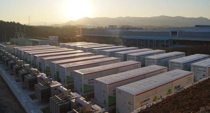 태양광패널에 이어 'ESS'까지… 에너지업계 급습하는 '중국산'